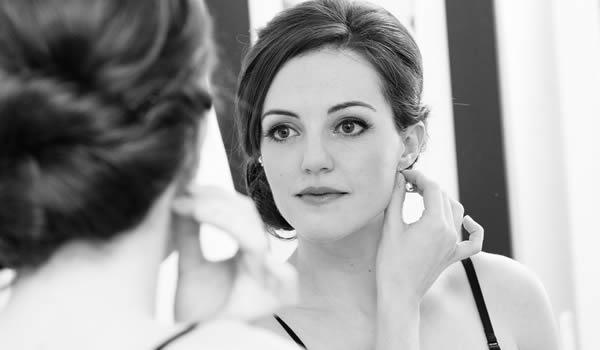 woman-mirror_0.jpg